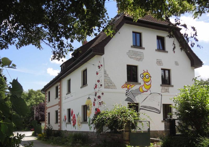 La casa de (F) de 5 estrellas Buchhaus cuatro en el parque natural Fichtelgebirge en el verano...