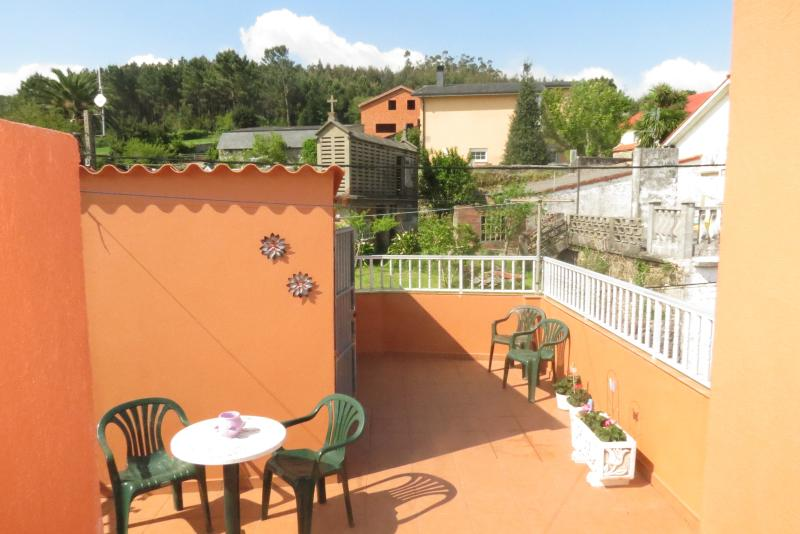 Traditional House by the Sea and the Mountains, holiday rental in Dumbria