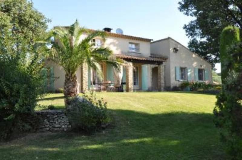 Maison avec jardin & grande piscine, holiday rental in Vallabrix