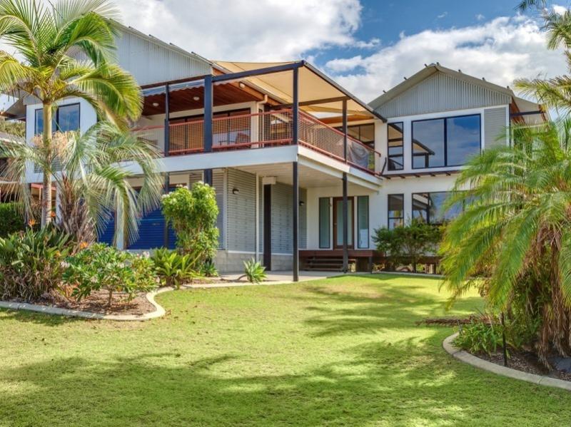 90 Cooloola Drive - Rainbow Beach, vacation rental in Gympie Region