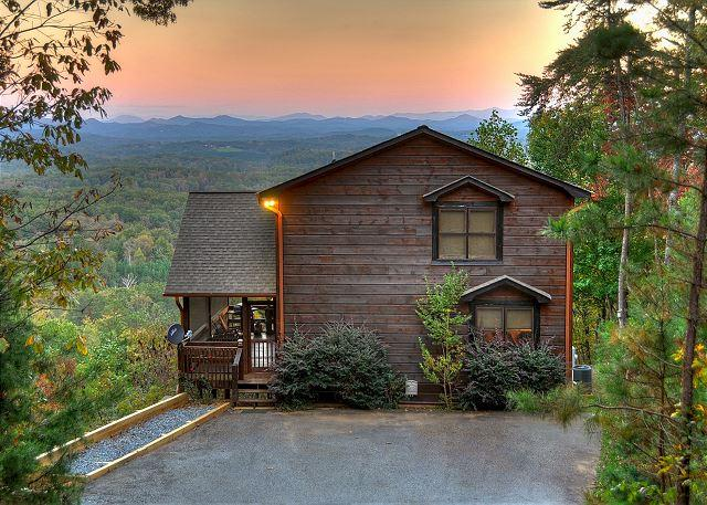 'The View' This is the cabin you have been looking for. The name says it all, alquiler de vacaciones en Blue Ridge