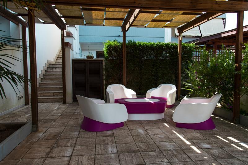 Mare e pineta free wi-fi, a/c, TV led, SKY, hi fi, vacation rental in Chiesanuova