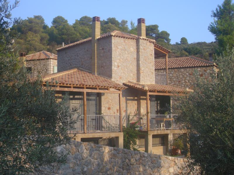 VILLA HAPPINESS, holiday rental in Isthmia