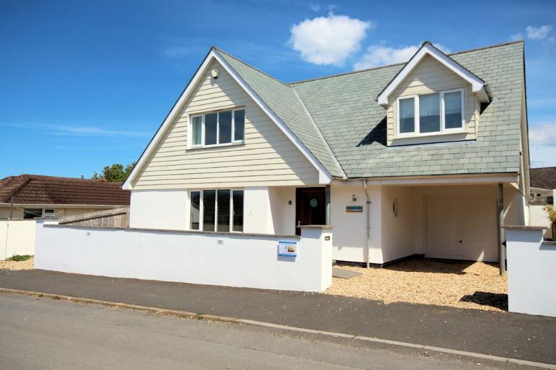 Longboards Croyde Holiday Cottages Property Exterior