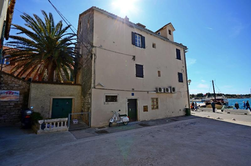 Best location in Supetar, House from the outside
