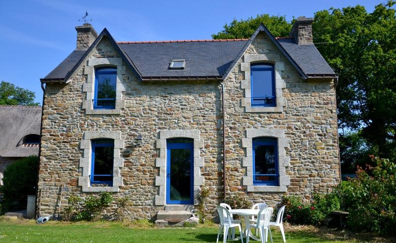 Maison traditionnelle en pierres, holiday rental in Port-Manech