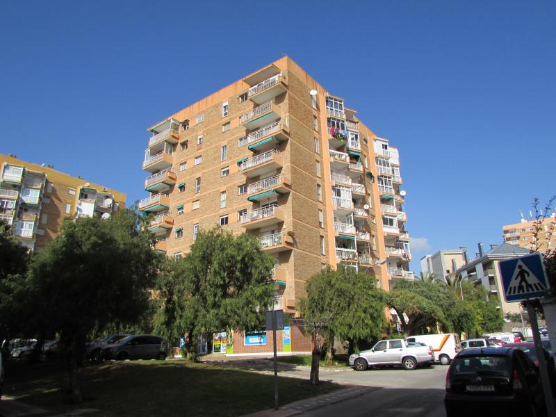 West Facing Apartment close to all amenities, holiday rental in Benalmadena