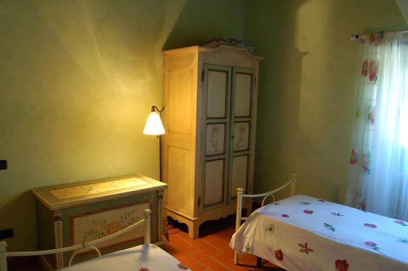 Primo piano: la stanza verde. Armonia di colori