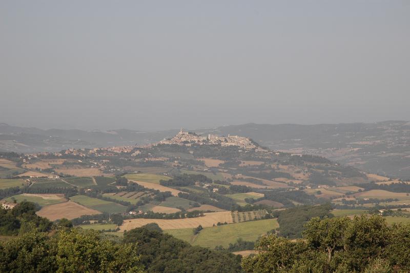 Vista di Todi. A soli 8 km dalla casa