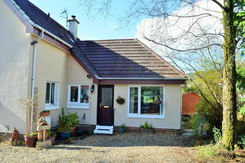 Weatheroak Studio Annex, Dunoon. Great value for money, private garden, Ferienwohnung in Dunoon