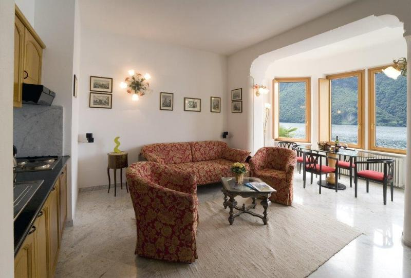 1 bedroom apartment on Lake Lugano, casa vacanza a Albogasio-Oria