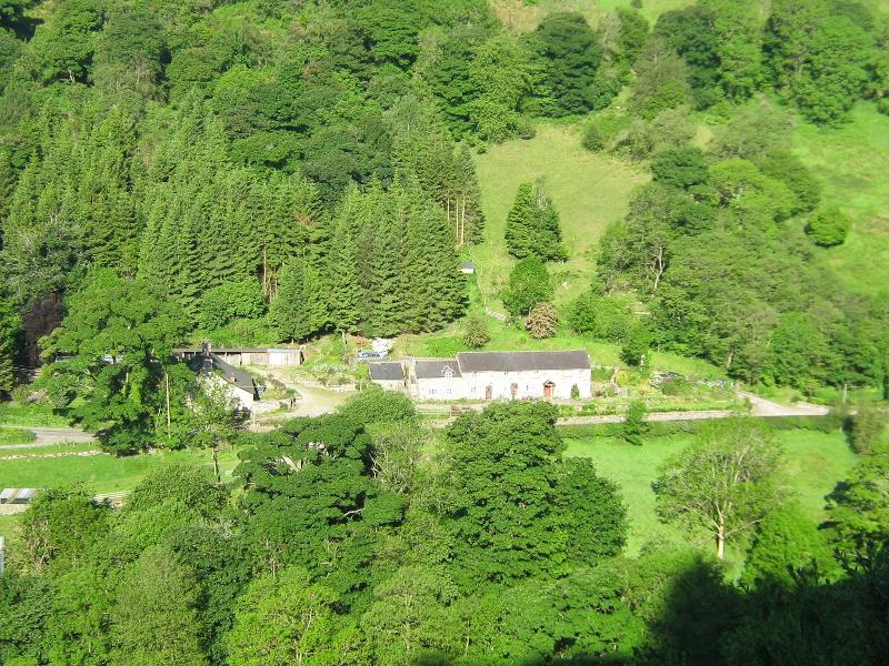 PICTURE OF COTTAGES FROM HILL OPPOSITE
