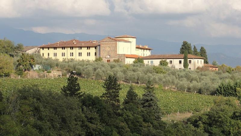 contexto único, no antigo convento situado entre oliveiras e vinhas