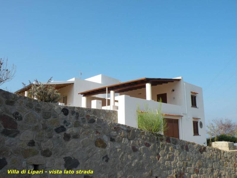 Villa di Lipari vista dalla Strada