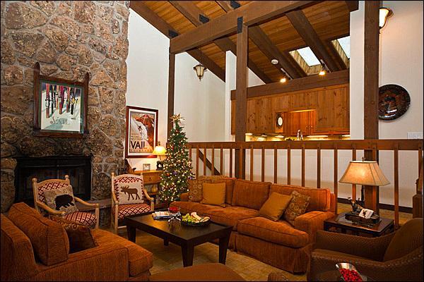 Sala de estar - Chimenea de madera