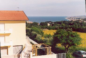 Grazioso Appartamento Panoramico, vakantiewoning in Direttissima del Conero