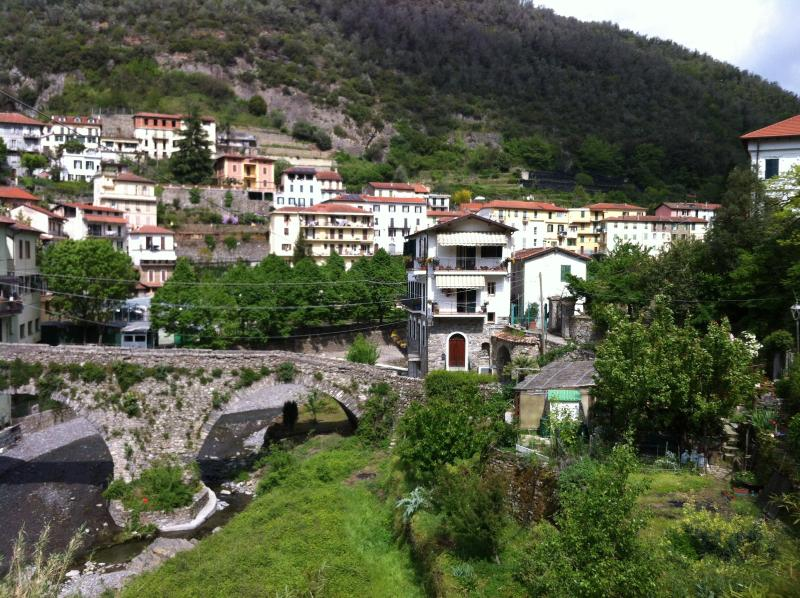 appartamento a pigna, holiday rental in Fontan