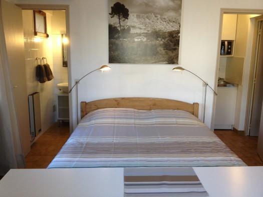 Charmant studio équipé, en rez de jardin au calme, vacation rental in Aix-en-Provence