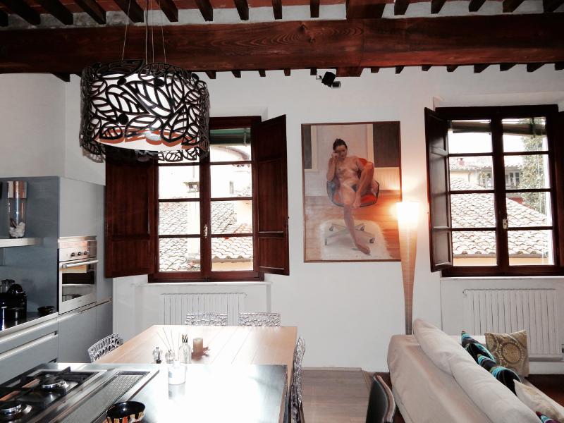 Casa Angela in center of Pietrasanta for 5 guests, holiday rental in Pietrasanta