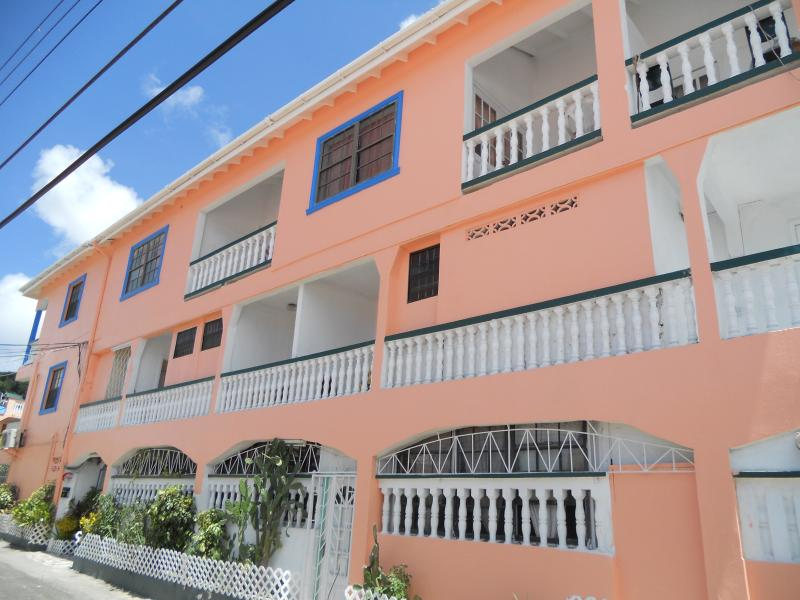 Stephanie's Hotel & Apartment's, location de vacances à Gros Islet