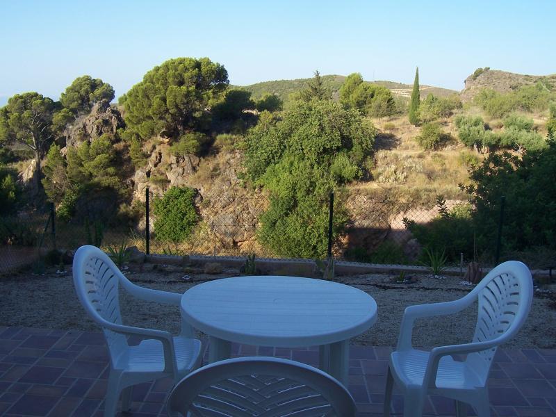Terraza ajardinada con preciosas vistas