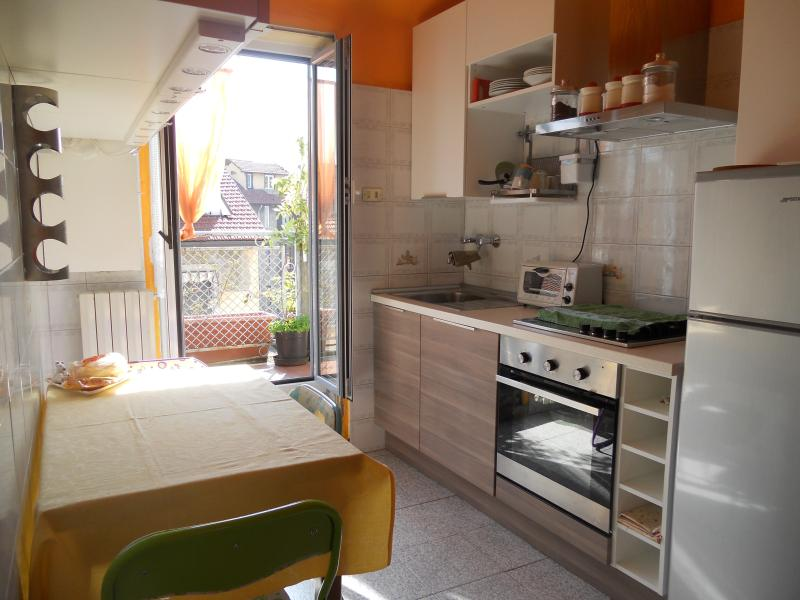 MINI PENTHOUSE stable old Milan on the 4th floor with one bedroom that has 2 single beds.