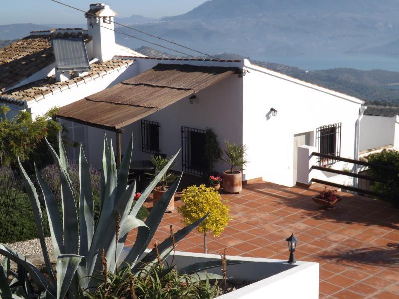 Casita La Almendra – semesterbostad i Iznajar