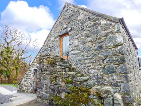 Y DOWLOD, romantic, luxury holiday cottage, with a garden in Trawsfynydd, Ref, casa vacanza a Ganllwyd