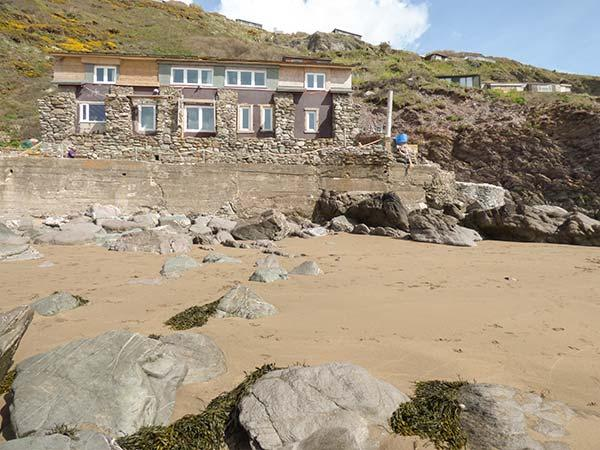 SCYLLA VIEW COTTAGE, pet friendly, character holiday cottage, with a garden in, vakantiewoning in Cawsand
