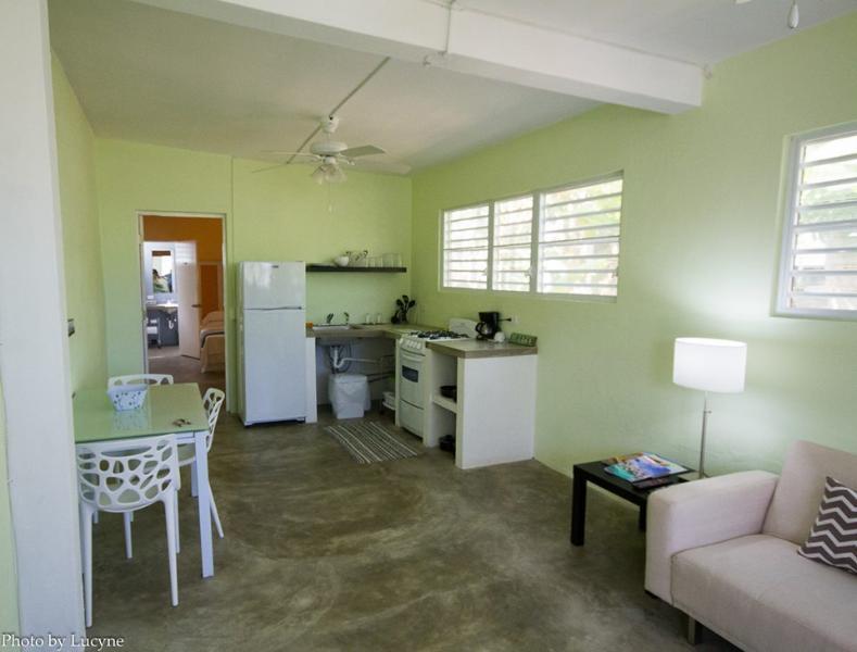Apartamento espaçoso, totalmente equipado para tornar sua estadia mais conveniente.