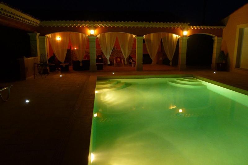 gite de charme flamenco gypsi aux portes d'Arles, vacation rental in Saint-Martin-de-Crau