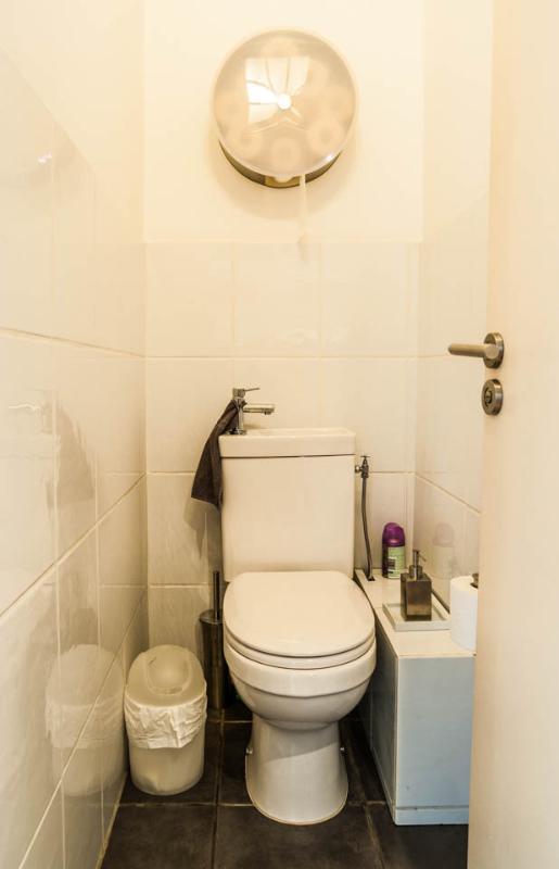 Individual toilette