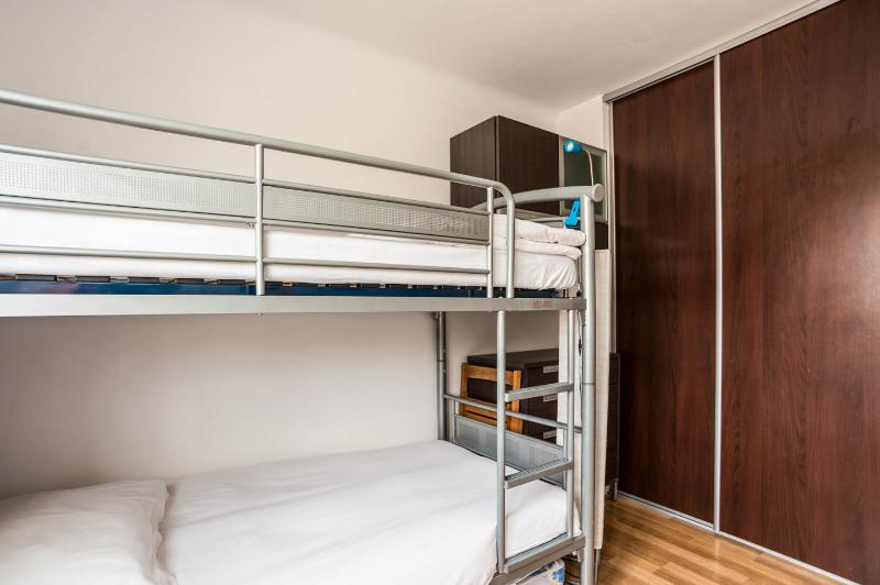 Guest bedroom with 2 bunk beds + one pull out bed