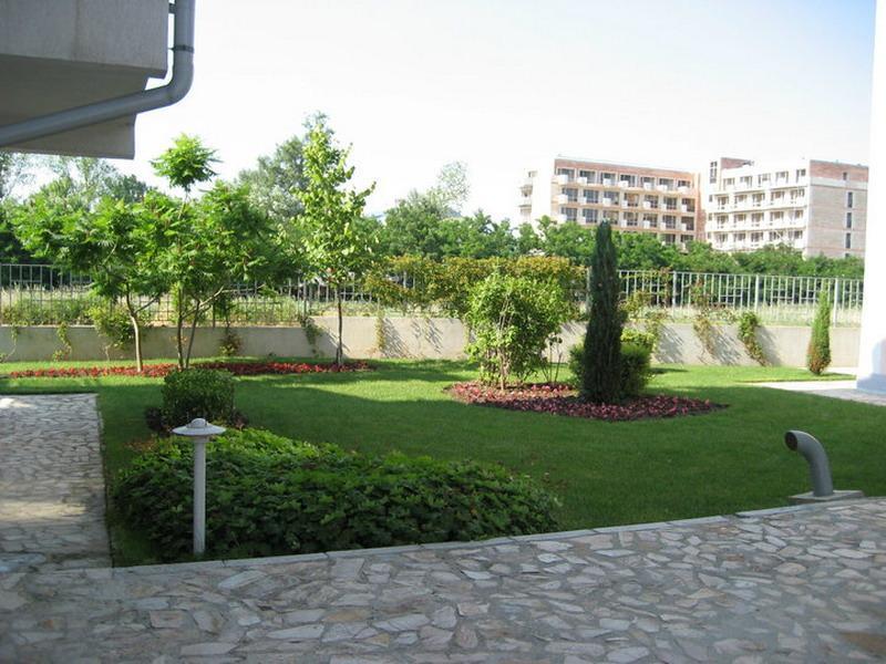 Apartments Hotel Elit 2 Sunny Beach garden