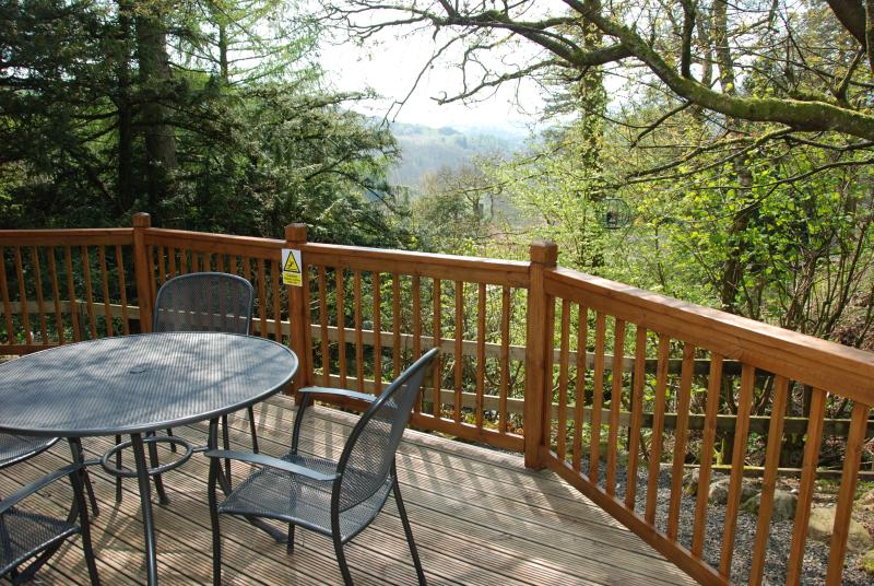 Moss Eccles Tarn  - Log Cabin Neaum Crag Skelwith Bridge, holiday rental in Little Langdale