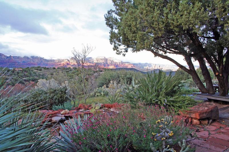 ...amidst sweeping vistas in all directions.  To the north, Boynton Canyon & Mogollon Rim...
