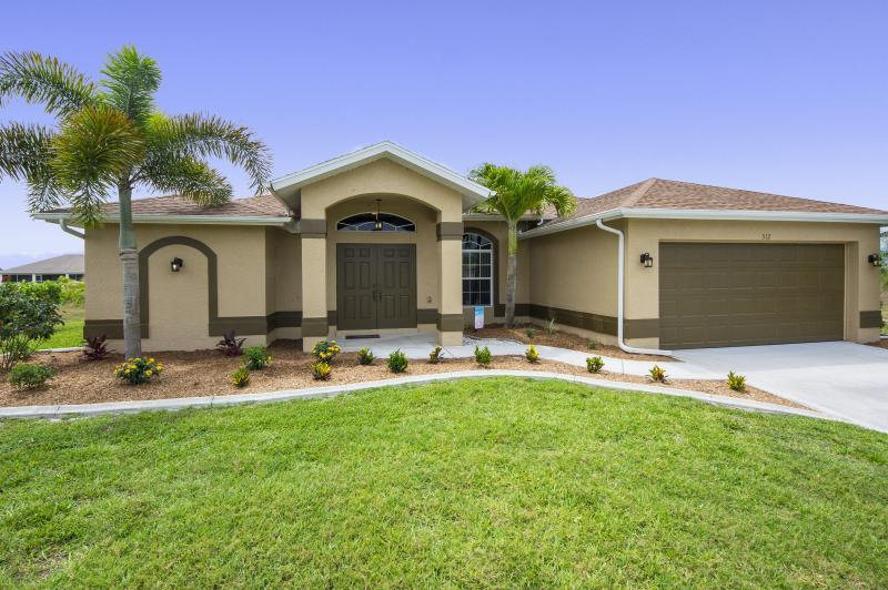 Picturesque 4 bedroom, 2 bathroom home in Cape Coral FL