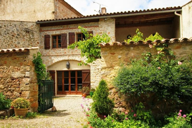 Domaine de Belcastel, Corbières, Aude, vacation rental in Serres