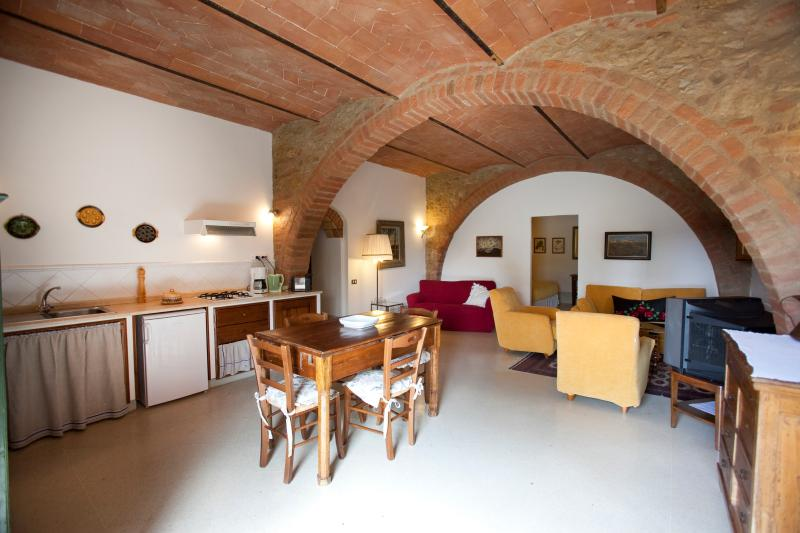 Spacious tuscan Family apartment at Il Rosolaccio, vacation rental in San Benedetto