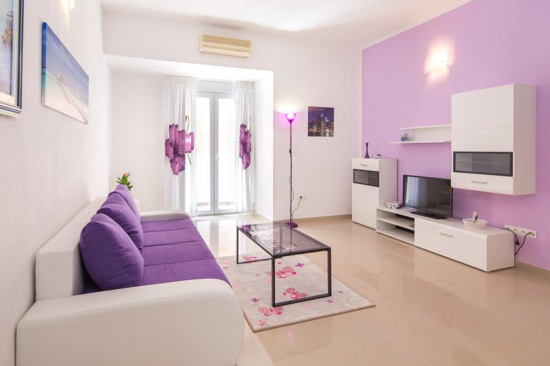 Villa Kolar - Apartment no.2, holiday rental in Podstrana