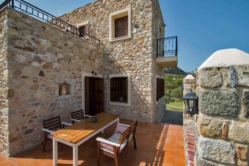 Villa Lagoudi, holiday rental in Mandraki