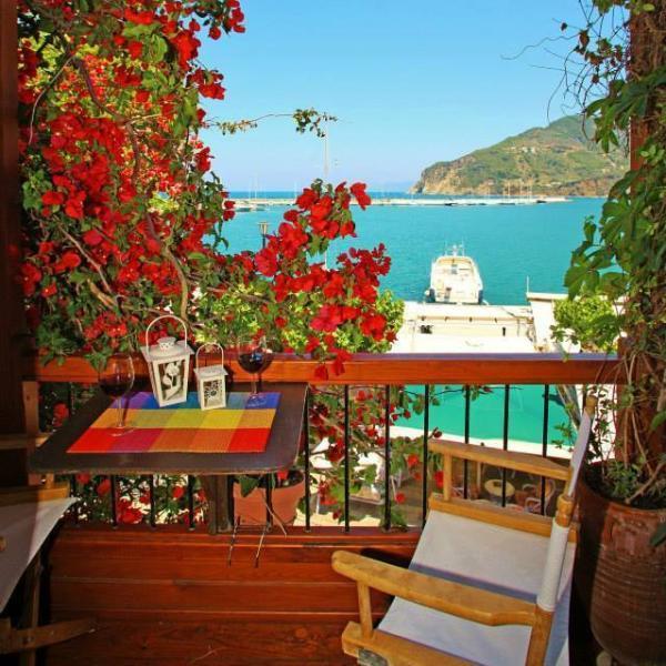 Anemoessa Suites - Coral, location de vacances à Ville de Skopelos