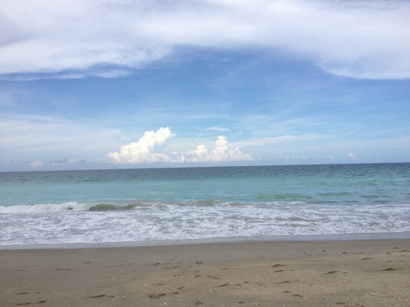 Blick vom Strand des Atlantischen Ozeans