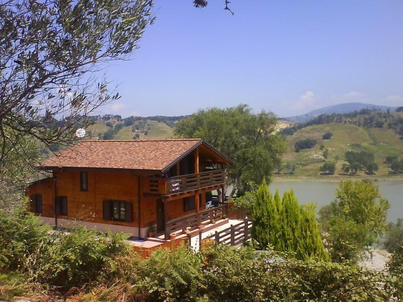 Villa/Chalet  sul lago angitola, holiday rental in Arena
