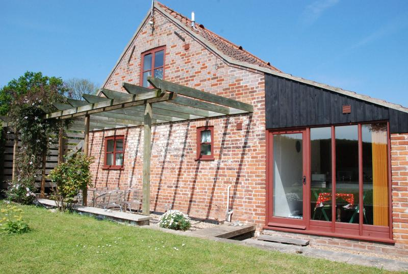 Swallow Cottage, holiday rental in Banningham