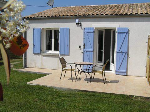 Lavender Cottage at Les Lavandes, location de vacances à Arvert