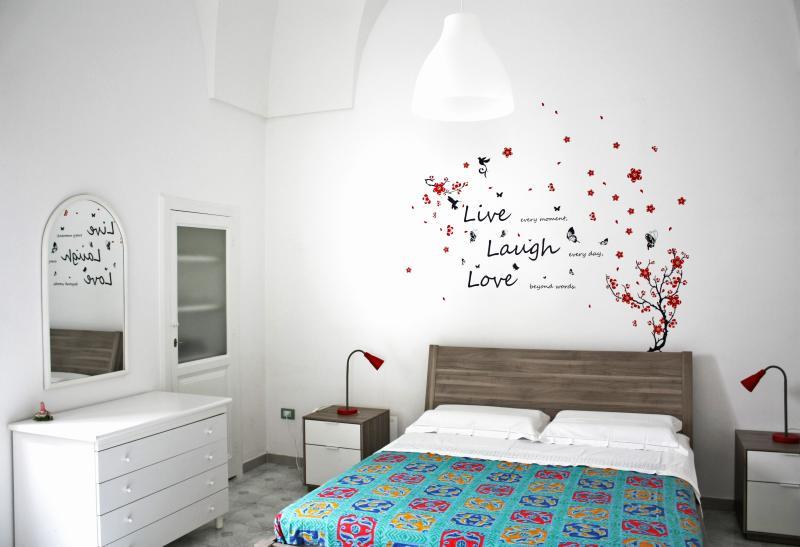 Micca House, elegant apartment with patio Ostuni, casa vacanza a Sorbola
