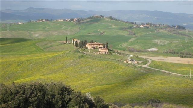 Restored stone built villa near San Gimignano, holiday rental in San Gimignano