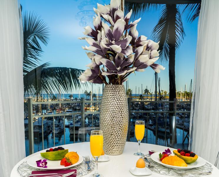 Luxury, Oceanfront, 'Birds of Paradise', vacation rental in Honolulu
