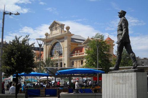 Libération Market at 7 minute walk